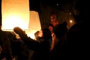Les lanternes ont été portées par le vent... (Julie Catudal) - image 1.0