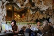 Ouvert en 1890, ce café-bar est une institution... (Photo Jean-Christophe Laurence, La Presse) - image 2.0