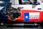 Un Toyota Tundra pavoisant l'étoile texane et le... (Photo Agence France-Presse) - image 4.0