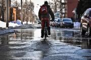Pas facile de se déplacer à vélo dans... (François Gervais, Le Nouvelliste) - image 1.0