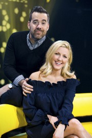 Jean Sébastien Girard et Véronique Cloutier présentent tous... (fournie par ICI Radio-Canada Télé) - image 3.0