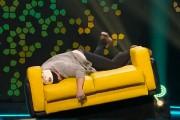 L'humoriste, après sa chute durant l'émission.... (Image tirée de l'émission) - image 1.0