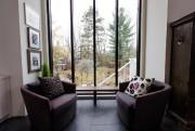 Très apprécié, le petit coin «lounge». Toutefois, laprésence... (Photo Olivier PontBriand, La Presse) - image 2.0