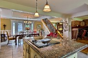 Cette splendide maison canadienne, située en bordure de... (Groupe Sutton - Accès-Plus) - image 1.0