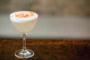 Le pisco sour, ce cocktail typiquement péruvien, est... (PHOTO NINON PEDNAULT, LA PRESSE) - image 2.0