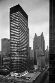 L'édifice Seagram, à New York, vu du nord-ouest... (PhotoEzra Stoller, fournie par le cca) - image 2.0