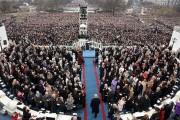 Donald Trump se présente sur la passerelle pour... (AFP, Brendan SMIALOWSKI) - image 2.0