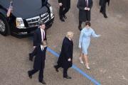 Trump et sa femme Melania sont sortis de... (AFP, Brendan SMIALOWSKI) - image 1.0