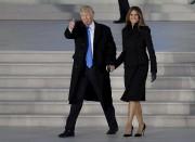 Melania Trump avait porté une robe noire de... (AP) - image 3.0