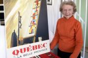 Marcelle Barbeau pose fièrement à côté d'une affiche... (Le Progrès-Dimanche, Jeannot Lévesque) - image 5.0
