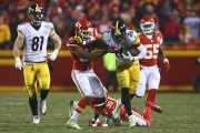 Le'Veon Bell, des Steelers de Pittsburgh, lors du... (AFP, Dilip Vishwanat) - image 1.0