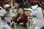 Le propriétaire des Falcons, Arthur Blank, s'est laissé... (AP, David Goldman) - image 3.0