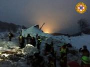 Les recherches continuaient lundi pour retrouver 23 disparus... (AFP) - image 3.0