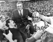 Vince Lombardi avait des ennuis de santé, et... (Photo archives Associated Press) - image 2.0
