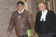 Richard Labrie et son avocat Me Guy Poupart.... (La Tribune, René-Charles Quirion) - image 1.0