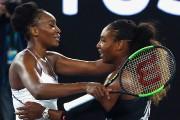 Serena Williams a reçu les félicitations de sa... (PHOTO THOMAS PETER, REUTERS) - image 1.0