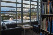 La bibliothèque du Banff Center comprend notamment des... (PHOTO YANNICK FLEURY, LA PRESSE) - image 3.0