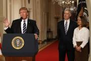 Le président Donald Trump annonce la nomination deNeil... (Photo Kevin Lamarque, REUTERS) - image 2.0