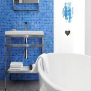C e meuble-lavabo de la collection C marie... (Fournie par Wetstyle) - image 1.0