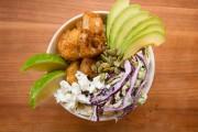 Bol de «fish taco», salade de chou lime-coriandre... (PHOTO NINON PEDNAULT, LA PRESSE) - image 4.0