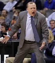 L'entraîneur des Timberwolves du Minnesota, dans la NBA,... (Photo Matt York, Associated Press) - image 4.0