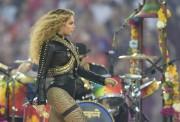 La performance de Beyoncé lors du spectacle de... (AFP) - image 11.0