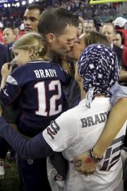 Le quart-arrière des Patriots de la Nouvelle-Angleterre, Tom... (AP, Patrick Semansky) - image 3.0