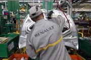 Un assembleur de Renault à l'oeuvre sur une... - image 5.0