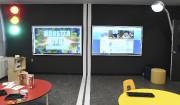 La salle technologique offre plusieurs outils interactifs aux... (Photo Le Quotidien, Michel Tremblay) - image 2.0