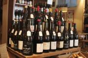 Le caviste Aux Crieurs de vin fait la... (Photo David Santerre, La Presse) - image 2.0