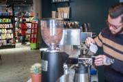 Le Café de la Troisième... (PHOTO OLIVIER PONTBRIAND, LA PRESSE) - image 7.0