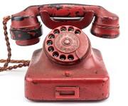 Le téléphone rouge d'Adolf Hitler, présenté comme «l'arme... (Photo AFP) - image 1.0