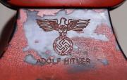Le téléphone rouge d'Adolf Hitler, présenté comme «l'arme... (Photo AP) - image 1.1