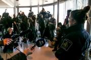 Les migrants arrêtés à la frontière par la... (Martin Tremblay, La Presse) - image 3.0