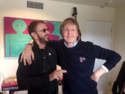 Ringo Starr et Paul McCartney lors d'un enregistrement... (tirée de Twitter) - image 4.0