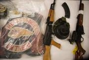 En plus d'importantes quantités de drogues, un arsenal... (PHOTO CHRIS YOUNG, LA PRESSE CANADIENNE) - image 1.0