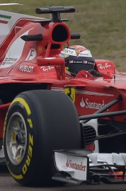 Kimi Räikkönen au volant de la SF70H. Photo:... - image 3.0
