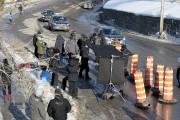 Mardi après-midi, l'équipe de tournage du film Junior... (Photo Le Quotidien, Jeannot Lévesque) - image 1.0