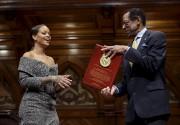 Rihanna a reçu un prix de la prestigieuse... (AP, Steven Senne) - image 4.0
