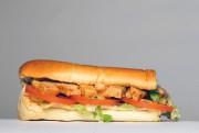 La viande du sandwich poulet «teriyaki et oignons... (PHoto Olivier Jean, La Presse) - image 1.1