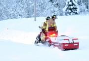 Une équipe de pompiers à motoneige est parvenue... (Photo Le Quotidien, Rocket Lavoie) - image 2.0