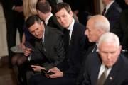 L'ex-conseiller à la sécurité nationaleMichael Flynn etl'influent gendre... (Photo Carlos Barria, archives REUTERS) - image 2.0