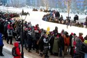 Plusieurs milliers de personnes ont bravé un froid... (Martin Roy, Le Droit) - image 2.1