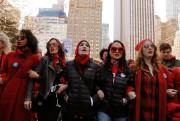 Des femmes participent à une marche baptisée «Day... (REUTERS) - image 1.0