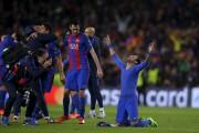 Neymar cèlèbre la victoire du FC Barcelone.... (AP, Manu Fernandez) - image 6.0