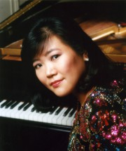 La pianiste canadienne Angela Cheng... (Photo tirée du site d'Angela Yen) - image 1.0
