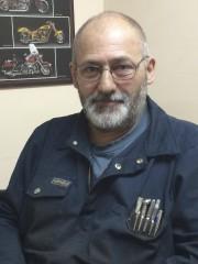 Mardi soir, le garagiste Gilbert Samson a conseillé... (Collaboration spéciale Ian Bussières) - image 1.0