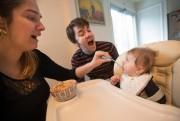 «Que c'est bon! Hmmmm! La grande fille!» Au... (Photo Ivanoh Demers, La Presse) - image 2.0
