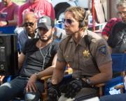 Dax Shepard dans la chaise de réalisateur... (Photo fournie parr Warner Bros.) - image 1.0