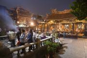 Un marchéŽ de nuit près d'un temple... (Photo fournie par l'Office de tourisme de Taiwan) - image 4.0